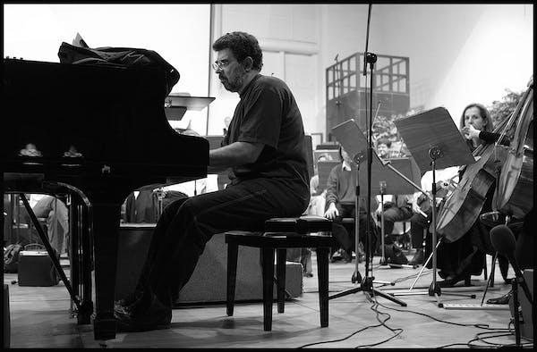 Gabriel Yared tijdens at a rehearsal for WSA2001
