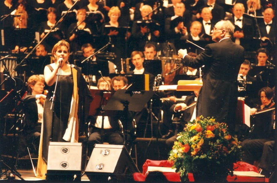 Ennio Morricone tijdens at a concert in 't Kuipke in 2000